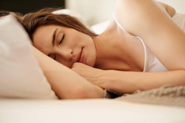 Quali oli essenziali per dormire bene e favorire un lungo sonno