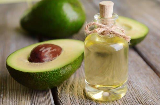 Olio di Avocado: proprietà, a cosa serve, come si usa, dove comprarlo