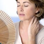 Quali oli essenziali prendere per combattere i sintomi della menopausa?